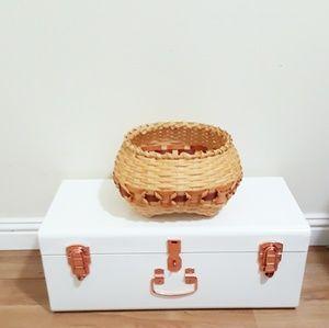Other - 🖤 Light tan woven basket